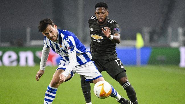 Manchester United lolos ke babak 16 besar Liga Europa setelah imbang tanpa gol melawan Real Sociedad pada leg kedua babak 32 besar pada Jumat (26/2).
