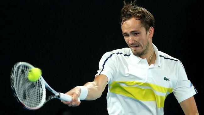 Daniil Medvedev menantang Novak Djokovic di Australia Open 2021 yang akan digelar di Melbourne, Minggu (21/2).