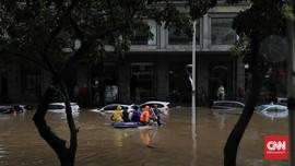 Polisi Jelaskan Foto Perahu Berlogo FPI Dipakai Bantu Banjir