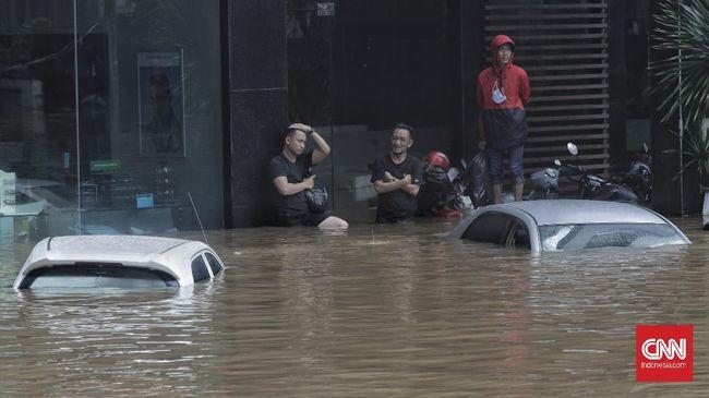 Pada dasarnya asuransi kendaraan tidak menanggung risiko kebanjiran, namun hal ini bisa ditanggung jika pemegang polis sudah memperluas jaminannya.