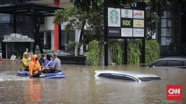 Foto dan video netizen mengungkap kondisi kendaraan yang jadi korban banjir Jakarta pada akhir pekan lalu.