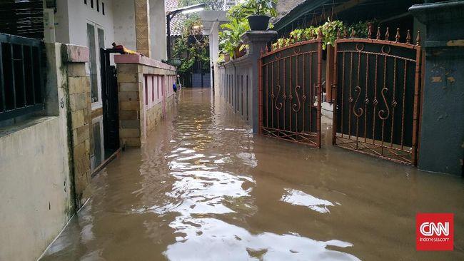 BPBD Provinsi DKI Jakarta menyatakan setidaknya ada 193 Rukun Tetangga (RW) di Jakarta Selatan, Timur, dan Barat banjir pada Sabtu (20/2).
