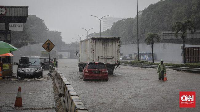 Jasa Marga menutup sementara sejumlag gerbang tol sebagai imbas banjir yang terjadi di sejumlah titik di Jakarta dan sekitarnya.