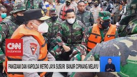 VIDEO: Pangdam & Kapolda Metro Susuri Banjir Cipinang Melayu