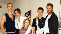 <p>Sementara Victoria Beckham mengunggah kumpulan foto-fotonya dengan Cruz sambil diiringi lagu milik Jackson 5 berjudul <em>I Want You Back</em>. (Foto: Instagram @cruzbeckham)</p>