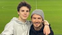 <p>Sang ayah, David Beckham mengunggah kumpulan foto-fotonya dengan Cruz diiringi lagu <em>soundtrack</em> serial <em>Friends</em>, Bunda. (Foto: Instagram @cruzbeckham)</p>