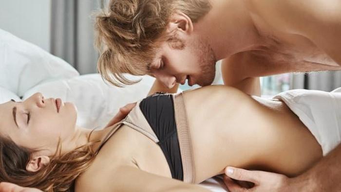 Sssst! Ternyata Ini Cara Ampuh Merangsang Wanita