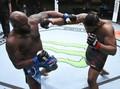 FOTO: Derrick Lewis Menang KO Hingga Lawan Pingsan di UFC