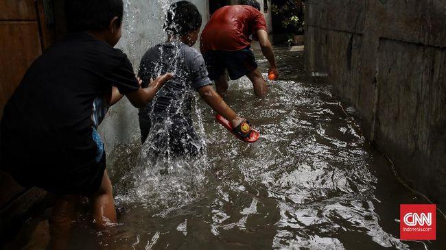 BMKG memrilis peringatan akan potensi banjir atau banjir bandang di sejumlah wilayah di Jabar pada 24-25 Februari 2021.