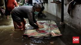 FOTO: Ratusan Warga Bangka Jaksel Terdampak Banjir