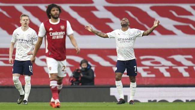 Manchester City sukses merengkuh tiga poin di markas Arsenal. Gol tunggal Raheem Sterling membuat Man City kian kukuh di puncak klasemen.