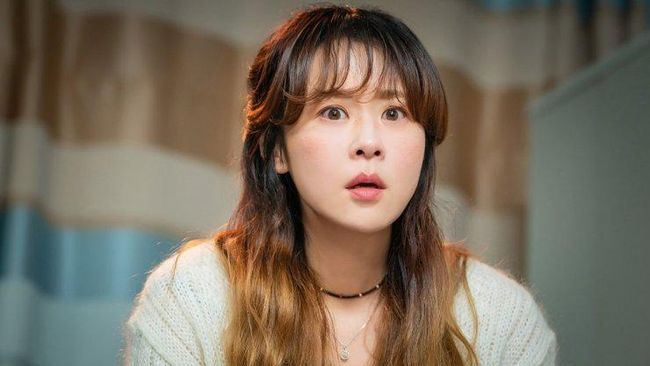 Hello, Me! merupakan drama terbaru komedi terbaru yang dibintangi Choi Kang-hee dan Kim Young-kwang.