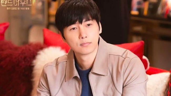 Kim So-yeon mengaku sempat kaget sang suami, Lee Sang-woo, menjadi cameo di drama Korea The Penthouse season 2.