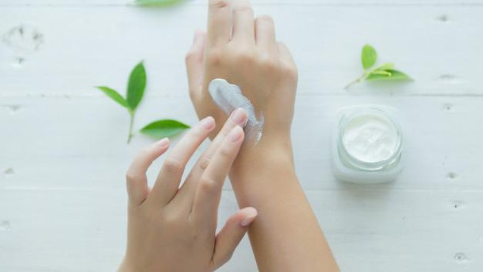 Lembabkan Tangan dengan 7 Rekomendasi Hand Cream Murah di Bawah 50 Ribu