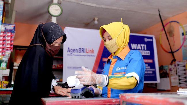 Tak hanya dalam upaya mendorong inklusi dan literasi keuangan, Agen BRILink juga dinilai berperan penting pada penerapan sustainable finance di Indonesia.