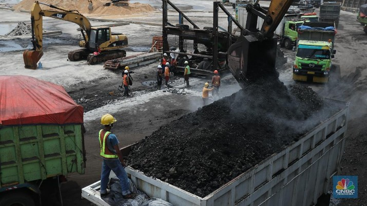 Seminggu Drop 7,3% Harga Batu Bara Masih di Atas US$ 100/ton