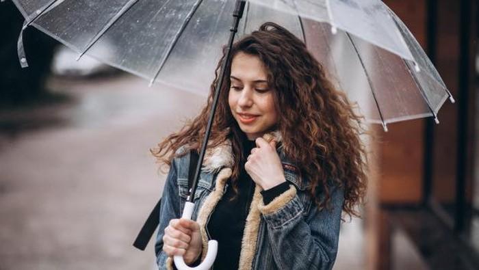 Musim Hujan Mulai Datang, Jangan Lupa Pakai Skincare Ini!