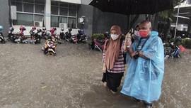 Hujan 2 Jam, Kantor Ganjar Pranowo Tergenang Banjir