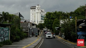 10 Ruas Jalan DKI Jakarta Disekat Polisi Mulai Malam Ini