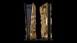Beda PS5 Lapis Emas 4,5 Kg Harga Rp7 M dari Rusia dan Inggris