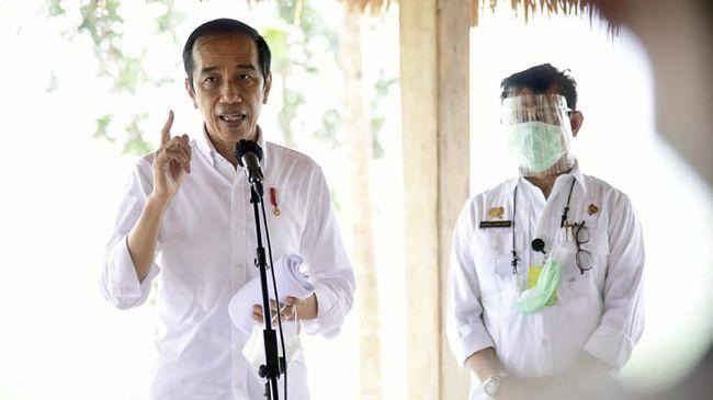 Presiden Jokowi menyebut Indonesia salah satu negara yang beruntung karena lebih dulu mengamankan vaksin saat negara lain masih saling berebut.