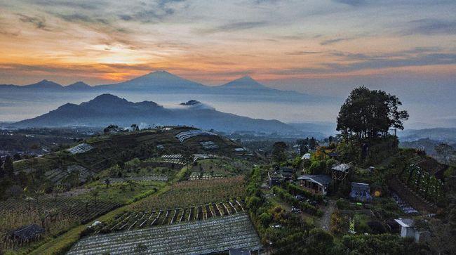 Magelang bukan hanya punya Nepal Van Java. Di sini juga terdapat Silancur Highland yang menawarkan wisata pegunungan.