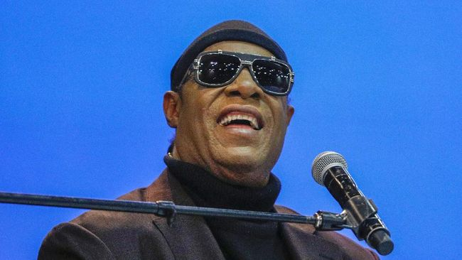Musisi legendaris Stevie Wonder mengungkapkan dirinya berencana pindah ke Ghana, lagi.