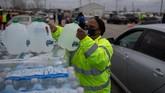 Lebih dari 7,9 juta orang di Texas, Amerika Serikat masih mengalami masalah dengan pasokan air akibat cuaca dingin ekstrem