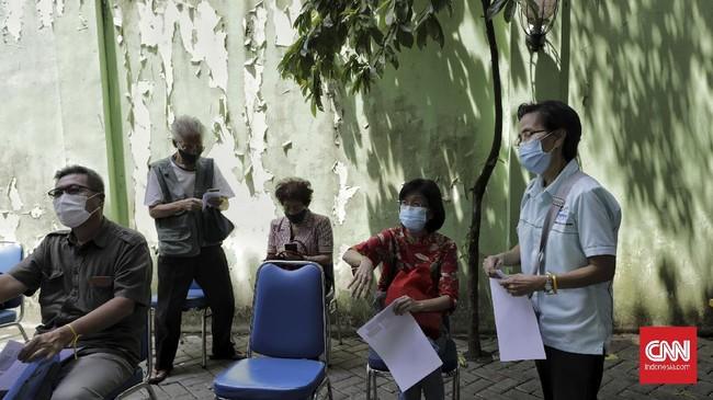 Pemprov DKI Jakarta menyiapkan 69 lokasi vaksinasi Covid-19 bagi warga kelompok lanjut usia (lansia) yang tersebar di lima wilayah kota administratif.