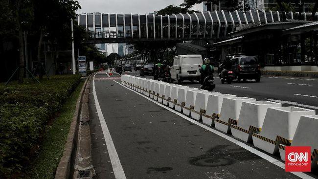 Direktorat Lalu Lintas Polda Metro Jaya belum melakukan penindakan terhadap kendaraan bermotor yang melintas di jalur sepeda.