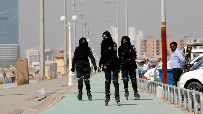 Pakistan membentuk unit polisi bersepatu roda di ibu kota Karachi untuk memberantas kejahatan dan pelecehan di area padat serta gang-gang sempit.