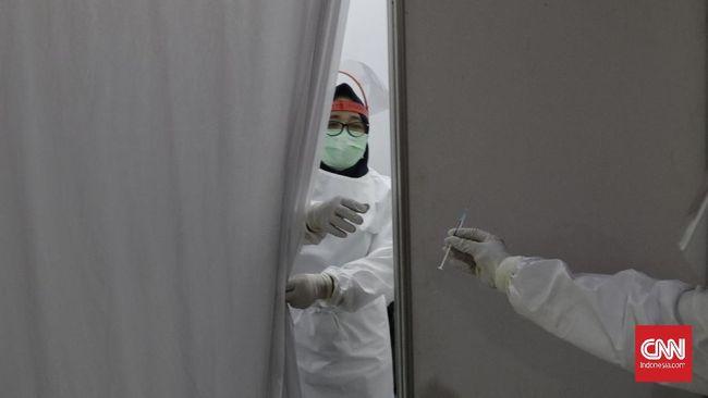 Epidemiolog Dicky Budiman menilai vaksinasi mandiri yang berdasarkan status di perusahaan tak sejalan dengan tujuan menurunkan angka kematian.