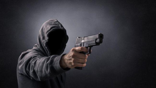 Hasil olah TKP kepolisian menemukan dua selongsong peluru di lokasi penembakan di Kebayoran Baru, Jaksel, malam minggu.