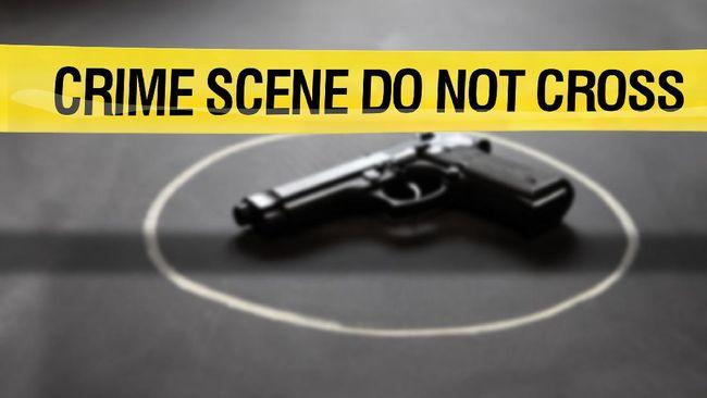 Dari hasil pemeriksaan polisi diketahui bahwa otak penembakan memiliki motif dendam karena istrinya disetubuhi korban saat pasang susuk.