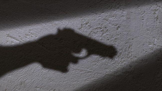 Berbagai e-commerce menjadi lapak buat pedagang menawarkan jasa pembuatan KTA Perbakin Basis Shooting Club seperti milik ZA, diduga penyerang Mabes Polri.
