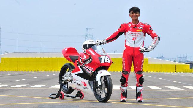 AHRT mempersiapkan Mario Suryo Aji sebagai pebalap yang akan tampil di CEV Moto3 Junior Championship 2021.