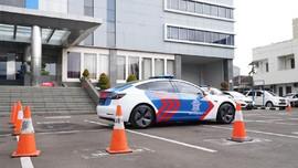 Sidang Disiplin, Polisi Pacaran di Mobil Dinas Dicopot