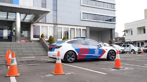 Tesla Model 3 Dipinjamkan Jadi Mobil Patroli Korlantas Polri