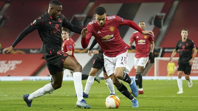Manchester United akan menghadapi AC Milan pada babak 16 besar Liga Europa sesuai hasil undian pada Jumat (26/2).