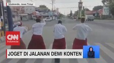 VIDEO: Joget di Jalanan Demi Konten