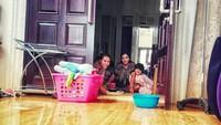<p>Ashanty dan tiga anaknya, Aurel, Azriel, serta Arsy Hermansyah belum lama ini terkonfirmasi positif COVID-19. Keempat anggota The Hermansyah A6 itu positif COVID-19 setelah mengalami sejumlah gejala, salah satunya sesak napas. (Foto: Instagram @dr.burhansyah)</p>