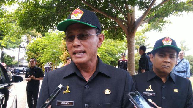 Bupati Ciamis Herdiat Sunarya dan Wakil Bupati Yana D Putra dinyatakan positif Covid-19 tanpa gejala.