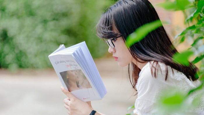 Bisa Dapat Manfaat Luar Biasa, Yuk Lakukan 5 Tips Agar Rutin Baca Buku