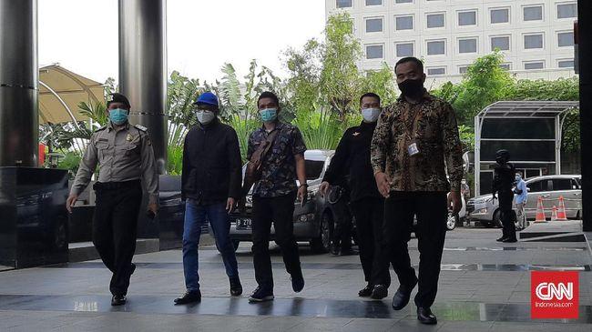 Ditangkap KPK pada Jumat (26/2) malam di kediamannya, Gubernur Sulsel Nurdin Abdullah pada Sabtu pagi langsung diperiksa di Jakarta.