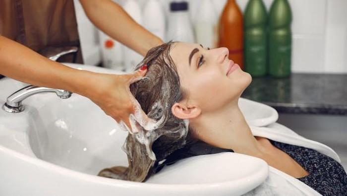 Racun TikTok, Rangkaian Produk Hair Care Viral dan Murah untuk Rambut Rusak