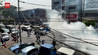 VIDEO: Polisi Myanmar Tembakkan Gas Air Mata ke Pedemo