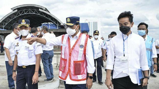 Menteri Perhubungan Budi Karya Sumadi berharap terminal di daerah lain mencontoh Terminal Tirtonadi Solo yang puny ruang serbaguna untuk rekreasi hingga bisnis.