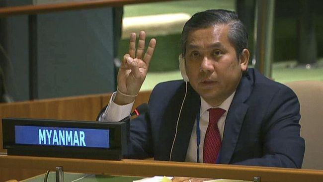 Diplomat Myanmar yang dipecat dan pemerintah junta militer kini tengah bersaing memperebutkan kursi perwakilan di PBB.