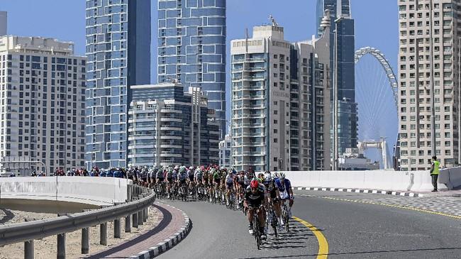 Para atlet yang tampil sekuat tenaga demi meraih tempat terbaik dalam sepekan terakhir terangkum dalam SMASHOT CNNIndonesia.com.
