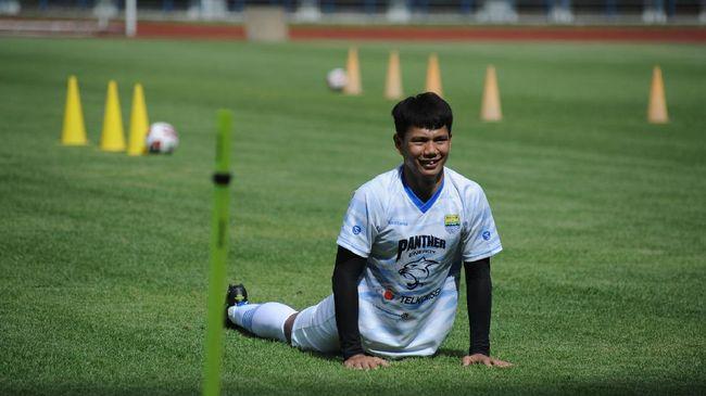 Pemain-pemain anyar Persib Bandung, seperti Ahmad Jufriyanto dan Bayu Fikri, hadir dalam latihan perdana jelang Piala Menpora 2021.